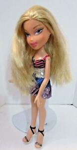 BRATZ-DOLL-LONG-LIGHT-BLONDE-HAIR-STRIPED-TOP-SKIRT-amp-BLACK-HIGH-HEEL-SHOES