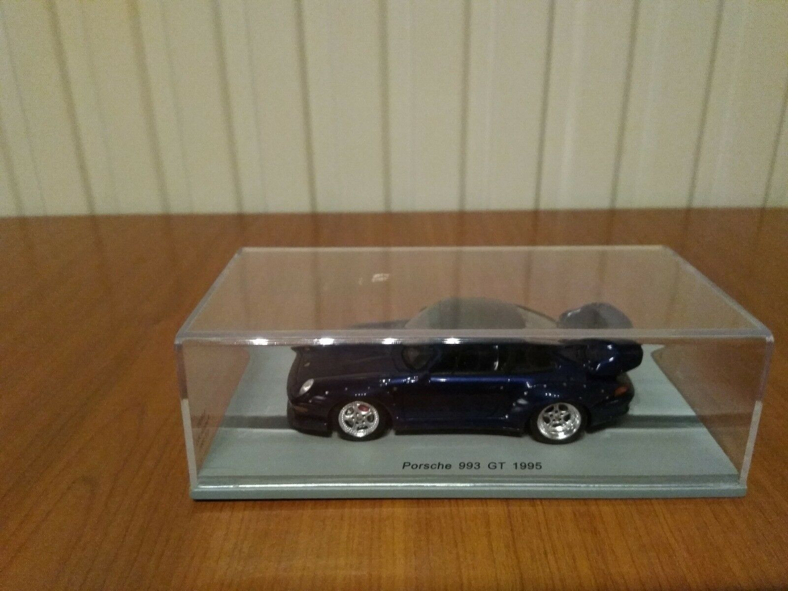 Porsche 993 GT 1995 1 43 Spark S4197