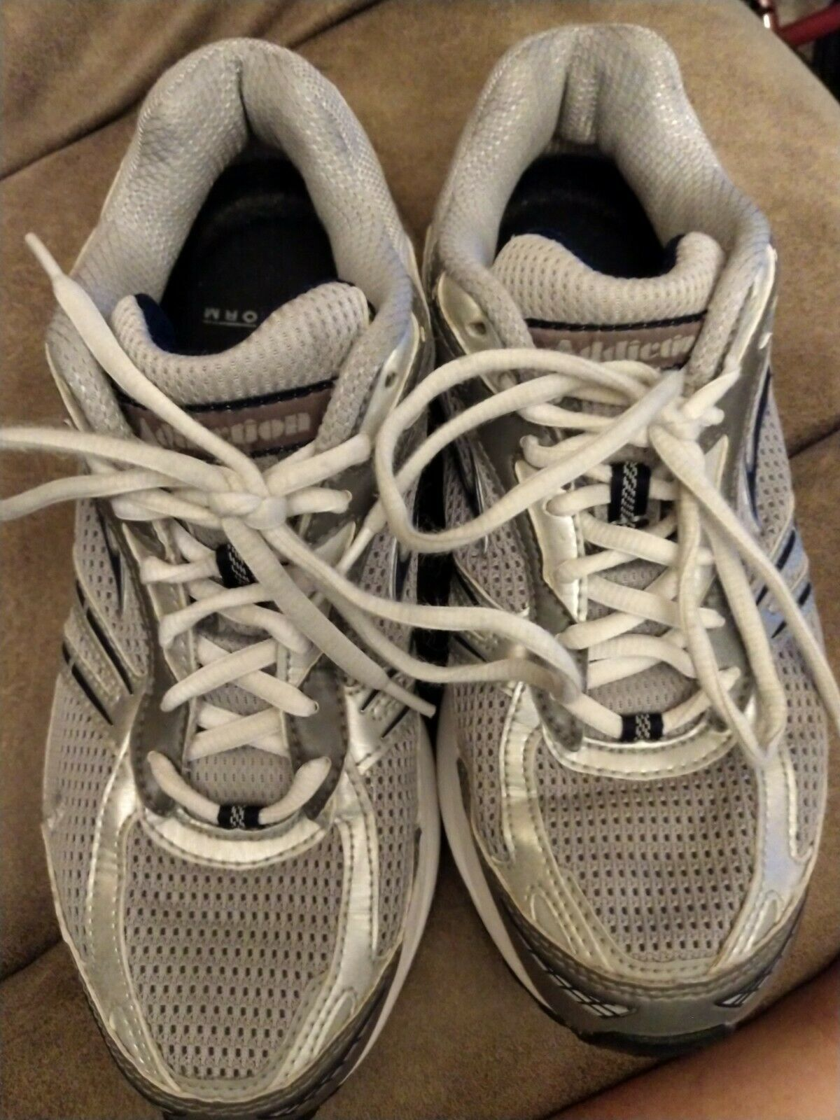 Men's Size 8 Wide Brooks Running shoes