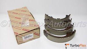 Brake Shoe Kit 04495-33010 Genuine Toyota
