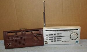 Vintage-NAVIGATOR-SR-H118-Standard-Beacon-Signal-Transistor-Radio-LW-MW-SW-J769
