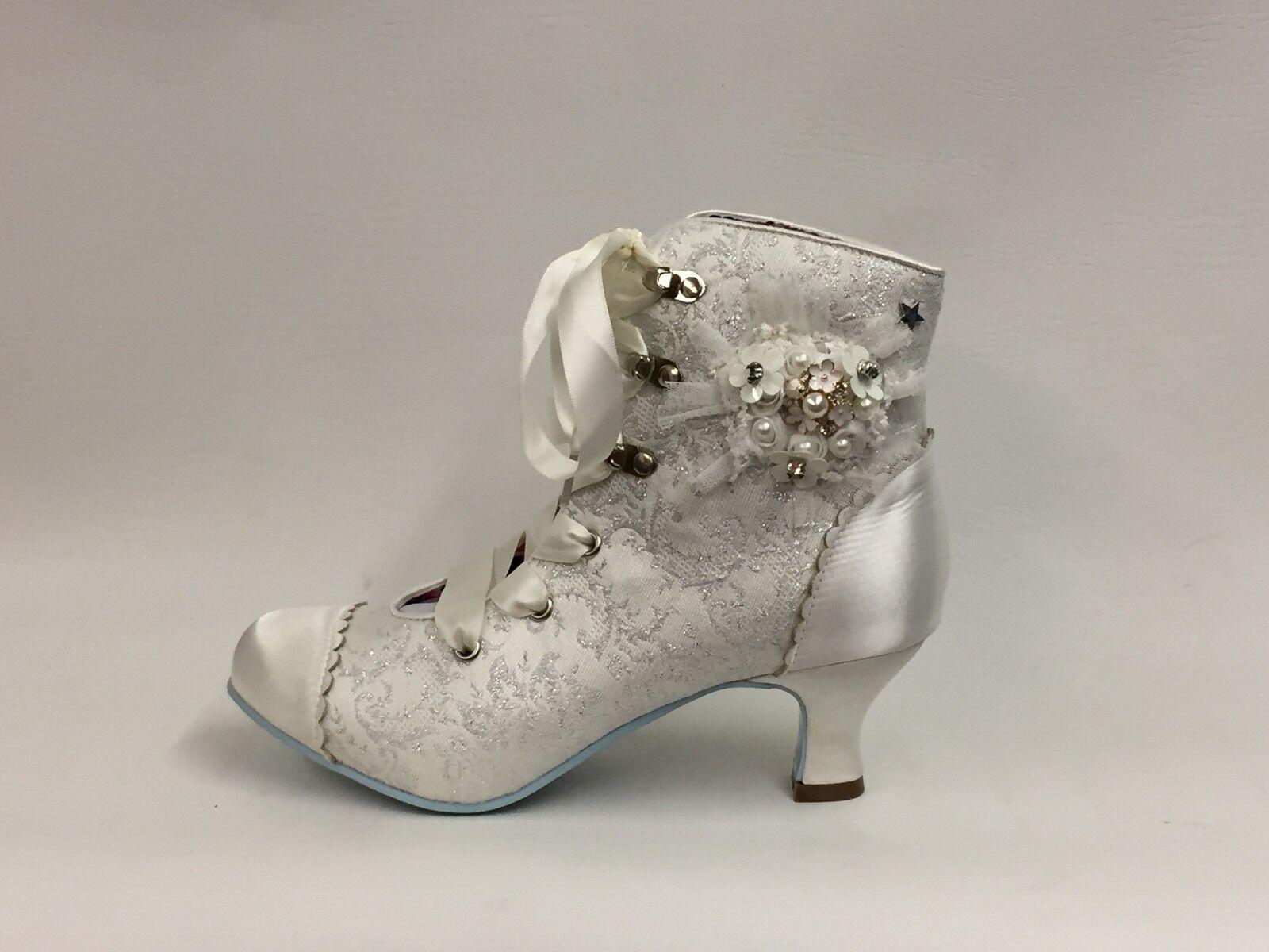 Nuevos zapatos para hombres y mujeres, descuento por tiempo limitado A estrenar en caja de las Señoras de Joe Browns Marfil hitched Botas Taco Bajo Gatito Size