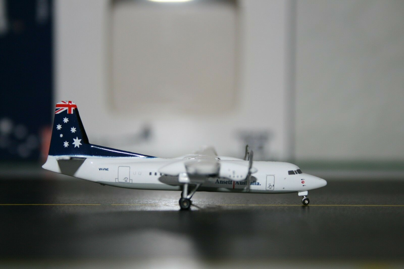 JC Wings 1 400 Ansett Australia Fokker F-50 VH-FNE (JC4013) Die-Cast Model Plane