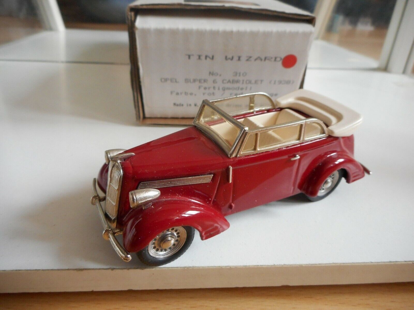 Tin Wizard Opel Super 6 cabriolet 1938 in rot on 1 43 in Box