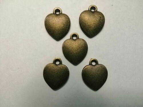 Bronze Heart Charm x 30 Alice in Wonderland.