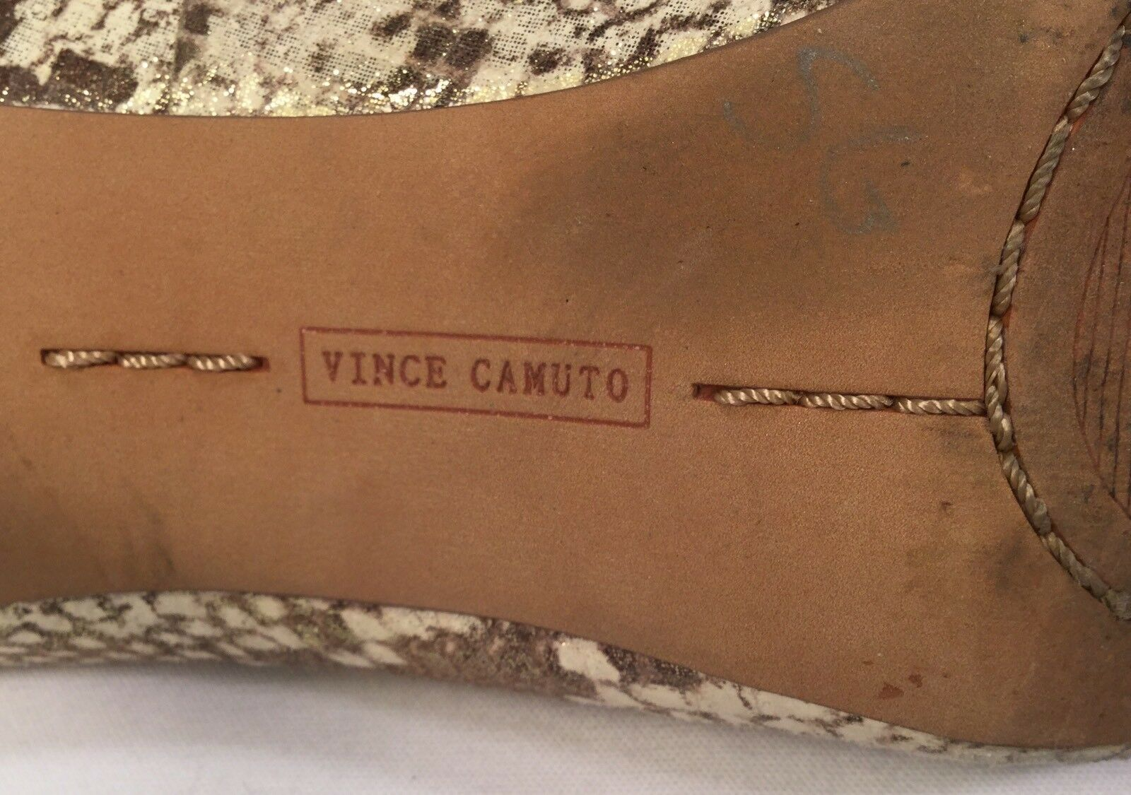 Vince Vince Vince Camuto Snakeskin schuhe Bone & braun Pumps Größe 8B Open Toe Nice Condition cbbc4e