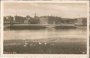 Riesa-Elbe-mit-Schleppkahn-beim-Gasometer-alte-Foto-Ansichtskarte-von-1942
