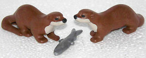 2-LOUTRE-avec-POISSON-PLAYMOBIL-a-Western-Foret-Chasseur-Trappeur-Animaux