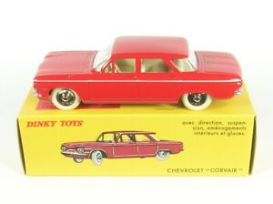 CHEVROLET-CORVAIR-rouge