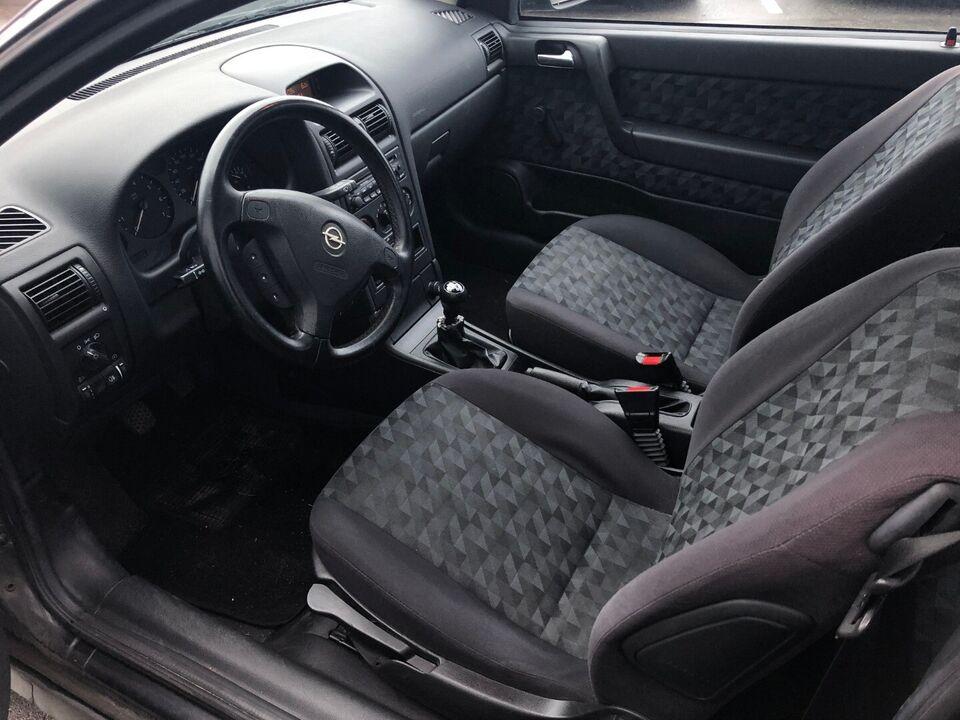 Opel Astra 1,6 8V Club Benzin modelår 2000 km 120000 Sort ABS