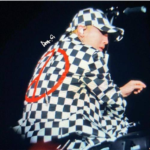 Bigbang GD japan concert  Black/ white grid cap baseball hat &peaceminusone clip