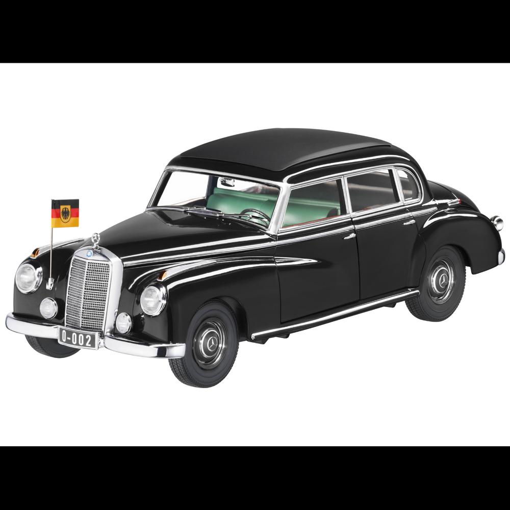 Mercedes Benz W 186 - Typ 300  Adenauer  Dienstwagen Schwarz 1 18 Neu OVP NOREV