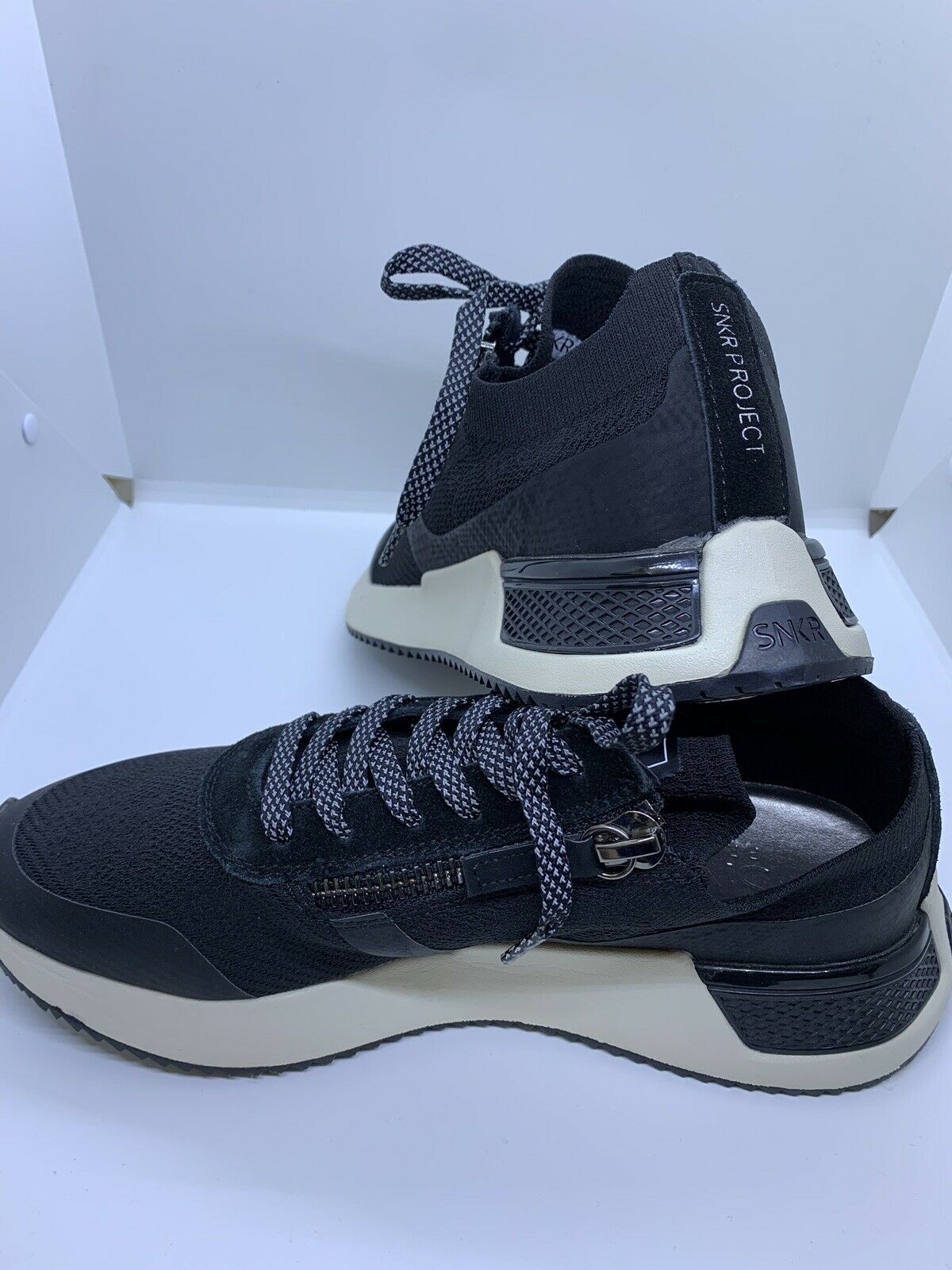 SNKR PROJECT MENS CASUAL SNEAKER - Size 9