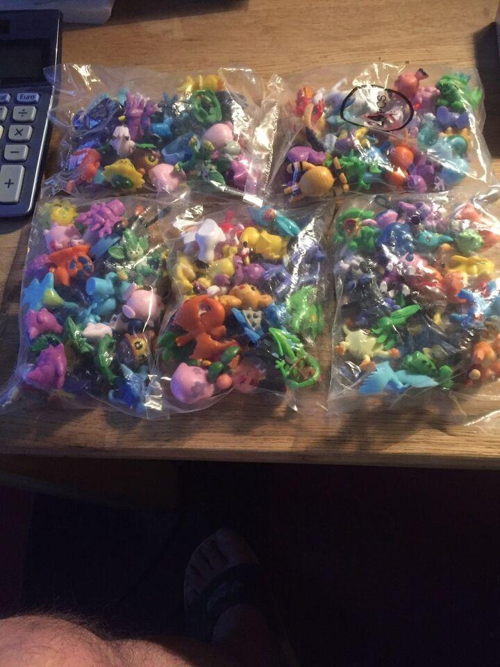 24 stk forskellige figurer, Pokemon