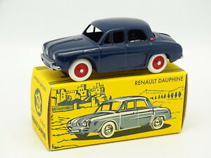 CIJ-By-Norev-1-43-Renault-Dauphine-Bleue