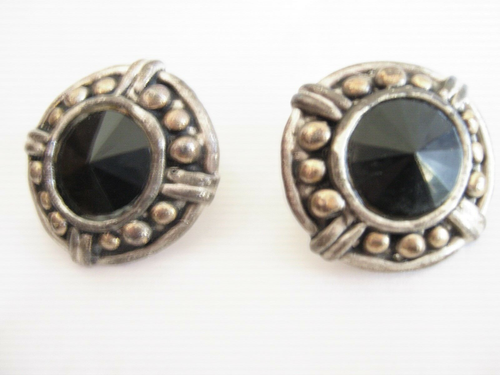 Earrings , Clip-On , Vintage , Silver / Brass , Round ,
