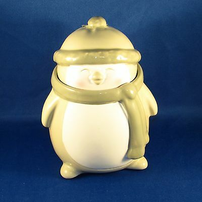 Wood Wick - Jolly Friends Penguin Candle - Crimson Berries 4.7 oz - NEW