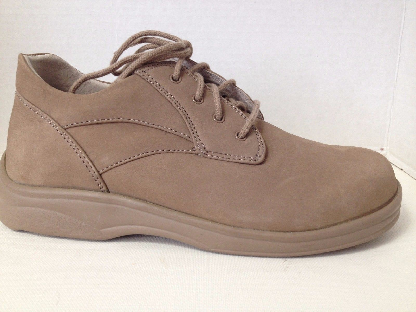 Apex Ariya Chaussures femme taille 5.5 Large Y590W beige à lacets 5 1 2 W