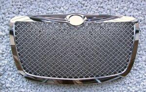 Plein-Chrome-devant-Calandre-Chrysler-300-300c-Sport-Bentley-Look-Produit-Neuf