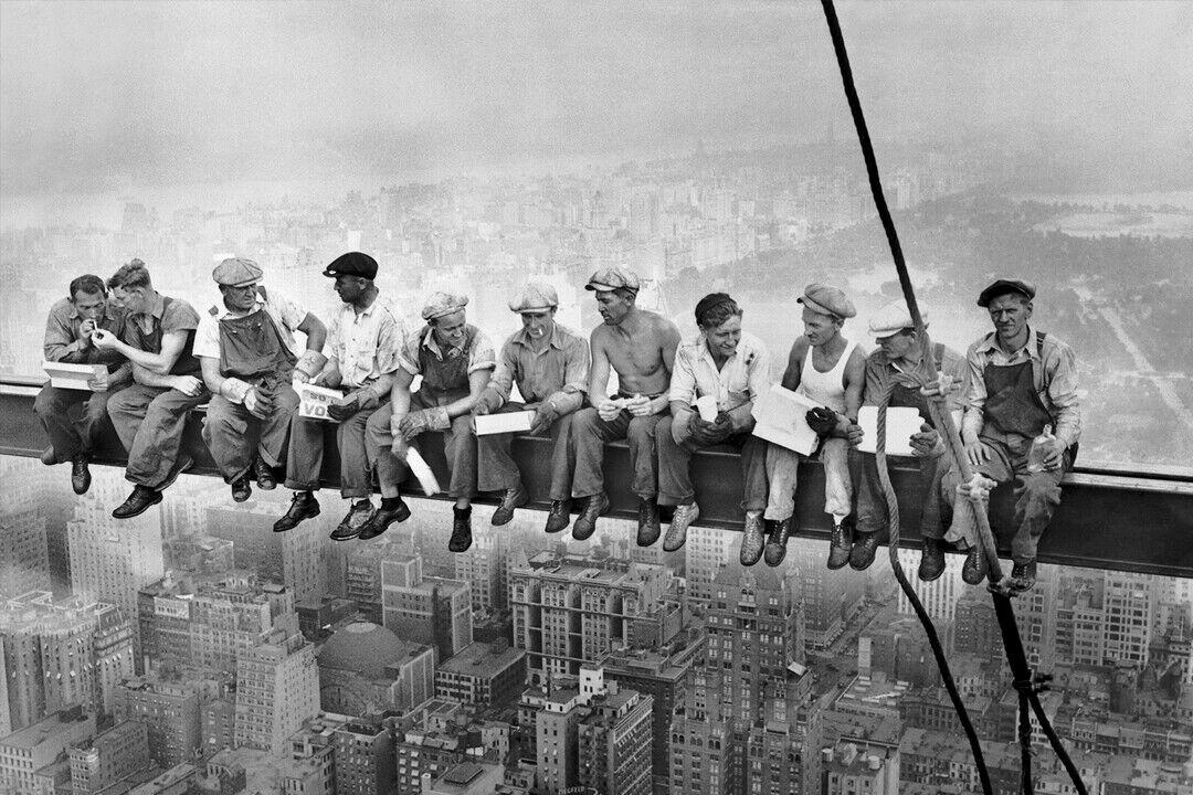 NEW York-Men on Girder-türposter Poster Print