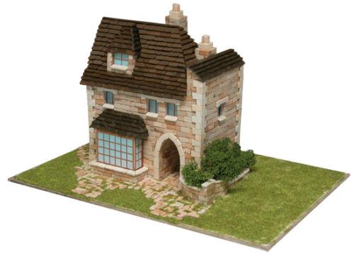 Aedes 1413 Maqueta Casa Inglesa Construccion de ladrillos