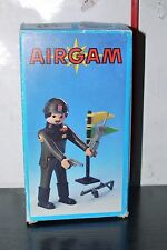 AIRGAM Boys Juguetes Figura Soldado Militar Pyro Plast # 102 griega Rara NUEVA