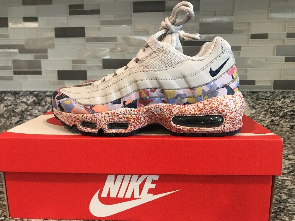 0b1f6c280c Nike Women Air Max 95 Size 6.5 SE Confetti Vast Grey Habablack QS 918413-004