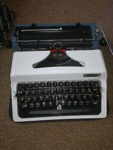 Robotron Erika Model 145 Typewriter Arabic Typeface Made In GDR Tested/Working