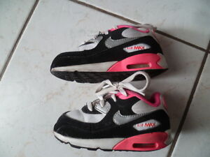 9726914a9c59a ... baskets-bebe-NIKE-AIR-MAX-pointure-23-5