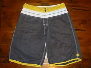 Quiksilver-30-Mens-Boardies-Mens-Board-Shorts-Dark-Grey-White-Yellow-Pre-Owned
