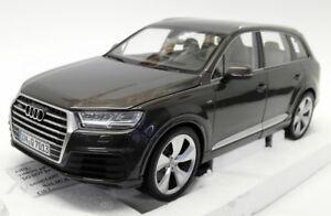 Minichamps 1/18 Scale Diecast - 5011407615 Audi Q7 Argus Brown maquette modèle