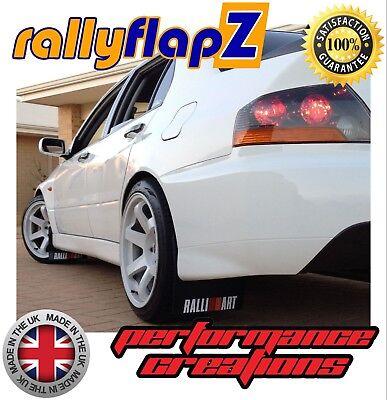 RallyflapZ Fiat 500 2007+ x4 MUD FLAPS Kit Y Fijaciones Negro 4 mm PVC Logotipo Blanco
