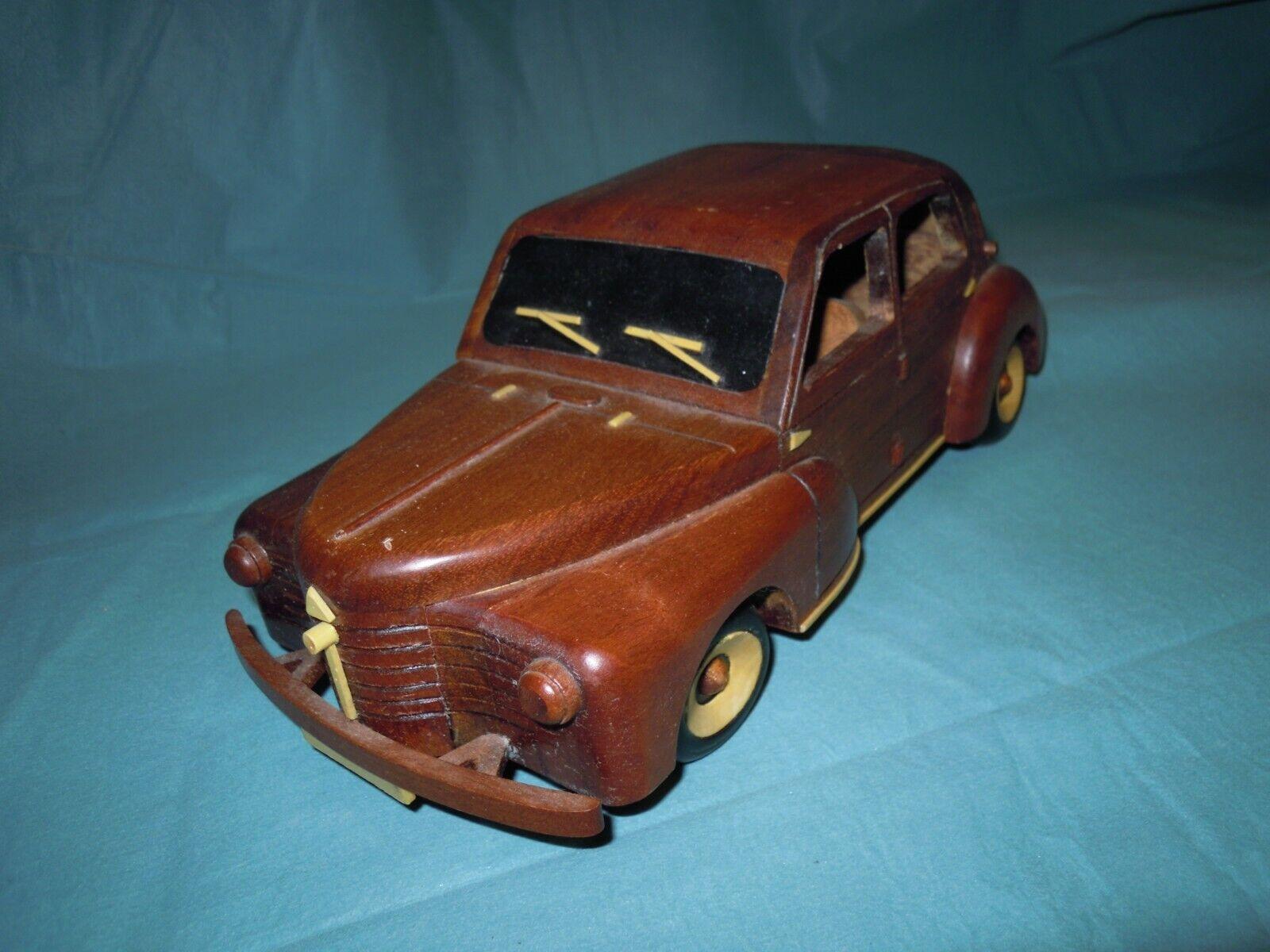 Voiture en en en bois Wood car Modèle réduit Miniature 2302ca