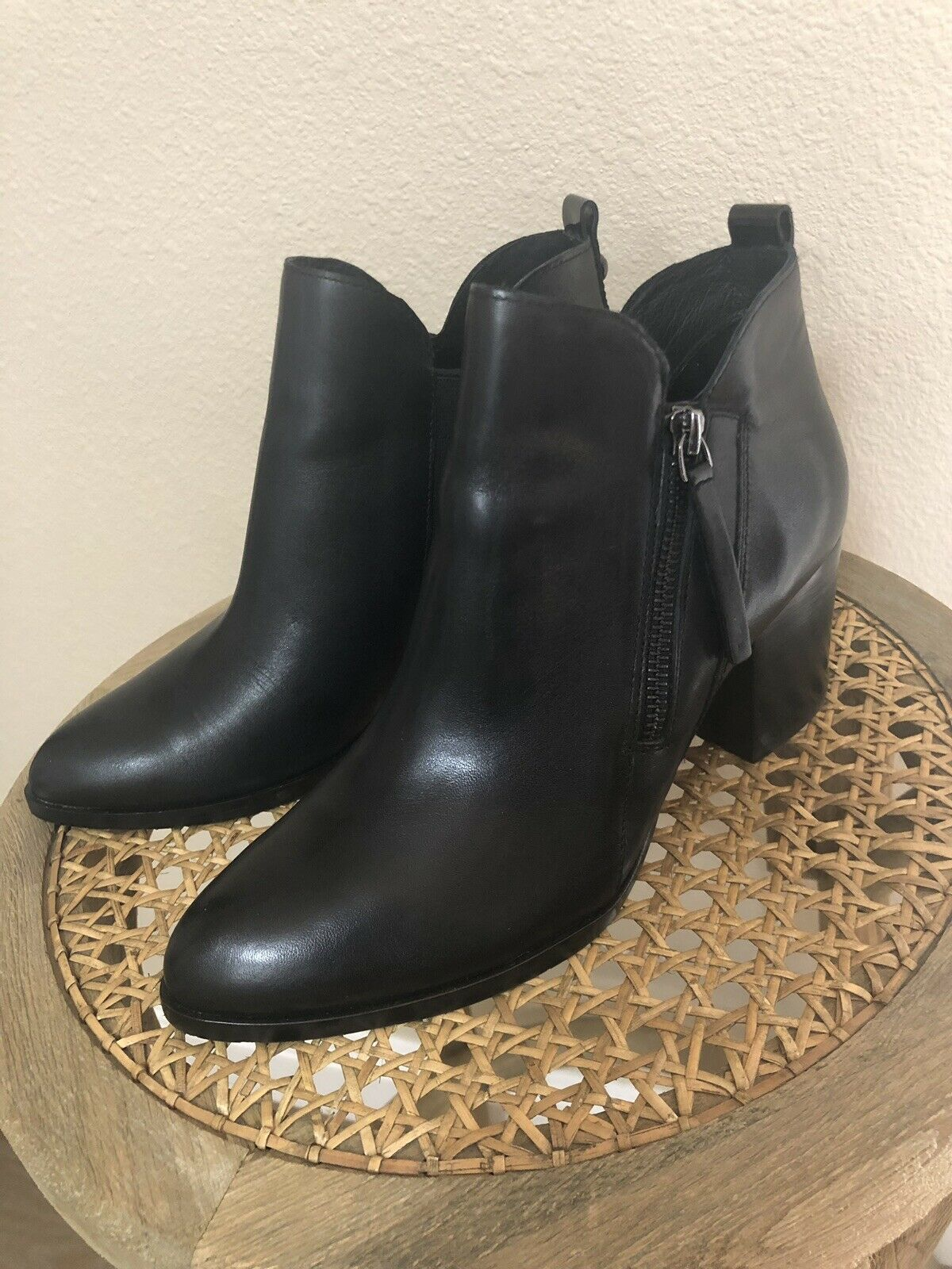 Donald Pliner Edyn Black Ankle Boot Bootie 6.5