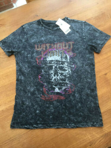 Next Boys Charcoal Grey Distressed//Studded Skull T-Shirt BNWT