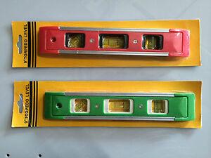 1 X Mini Niveau En Rouge Ou Vert Edition 23 Cm Avec Système Magnétique Xen0exio-07234832-189398922