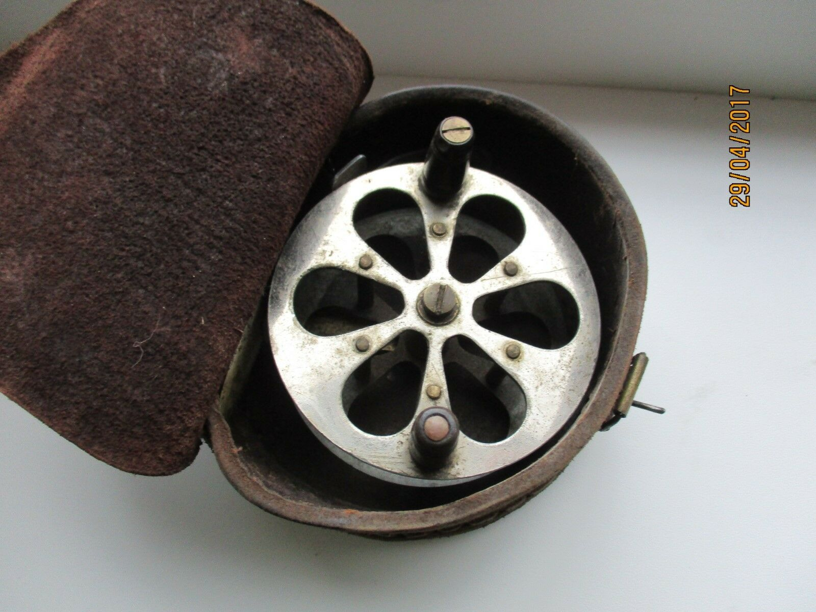 VINTAGE FISHING REEL IN LEATHER BOX