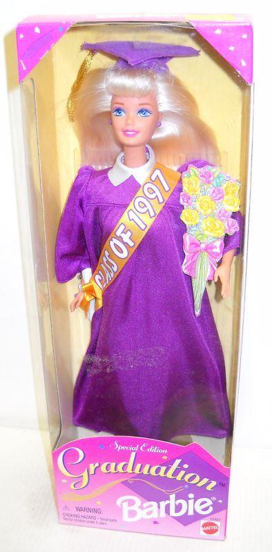 Nunca quitado de la Caja Mattel 1997 graduación Barbie (2nd edición especial de muñeca en serie)