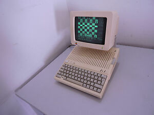 Apple-IIc-with-monitor-USA-version-QWERTY-120v-free-shipping