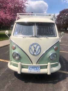 1974 Volkswagen Bus / Vanagon 15 Window Samba