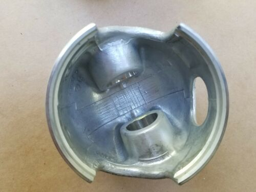 New OEM OMC P//N 432073 STBD STD Piston 1988-92 185 to 235 HP Evinrude Johnson