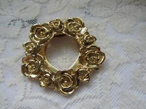 Vintage-Rose-Pattern-Scarf-Dress-Clip-Gold-Toned