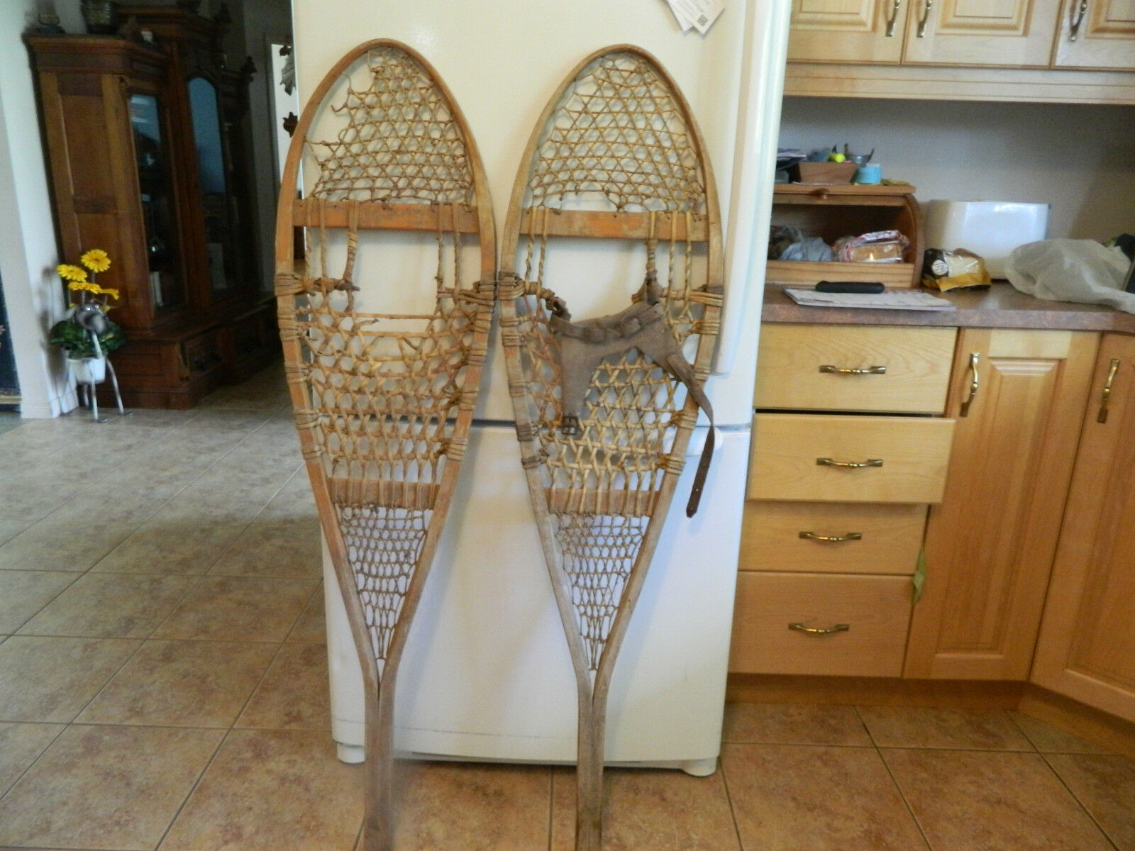 Vintage  snowshoes       13 x  52   chalet decor as is    lot 502  counter genuine