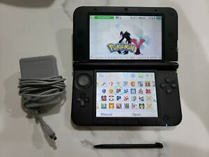 Nintendo-3DS-XL-32-3ds-Games-Installed-charger-and-stylus-included-Mario-edition