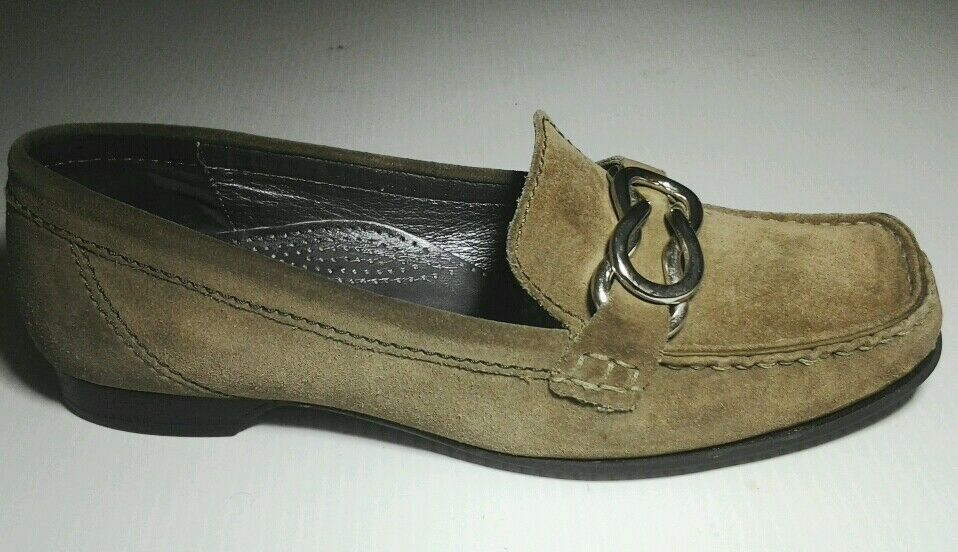 Cole Haan Chase Moc Moss suede shoe Silver buckle Womens sz 7.5