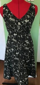 PIAZZA SEMPIONE DRESS PLEATED FIT & FLARE V NECK ITALY FLORAL GREEN SZ 42 US 6 V