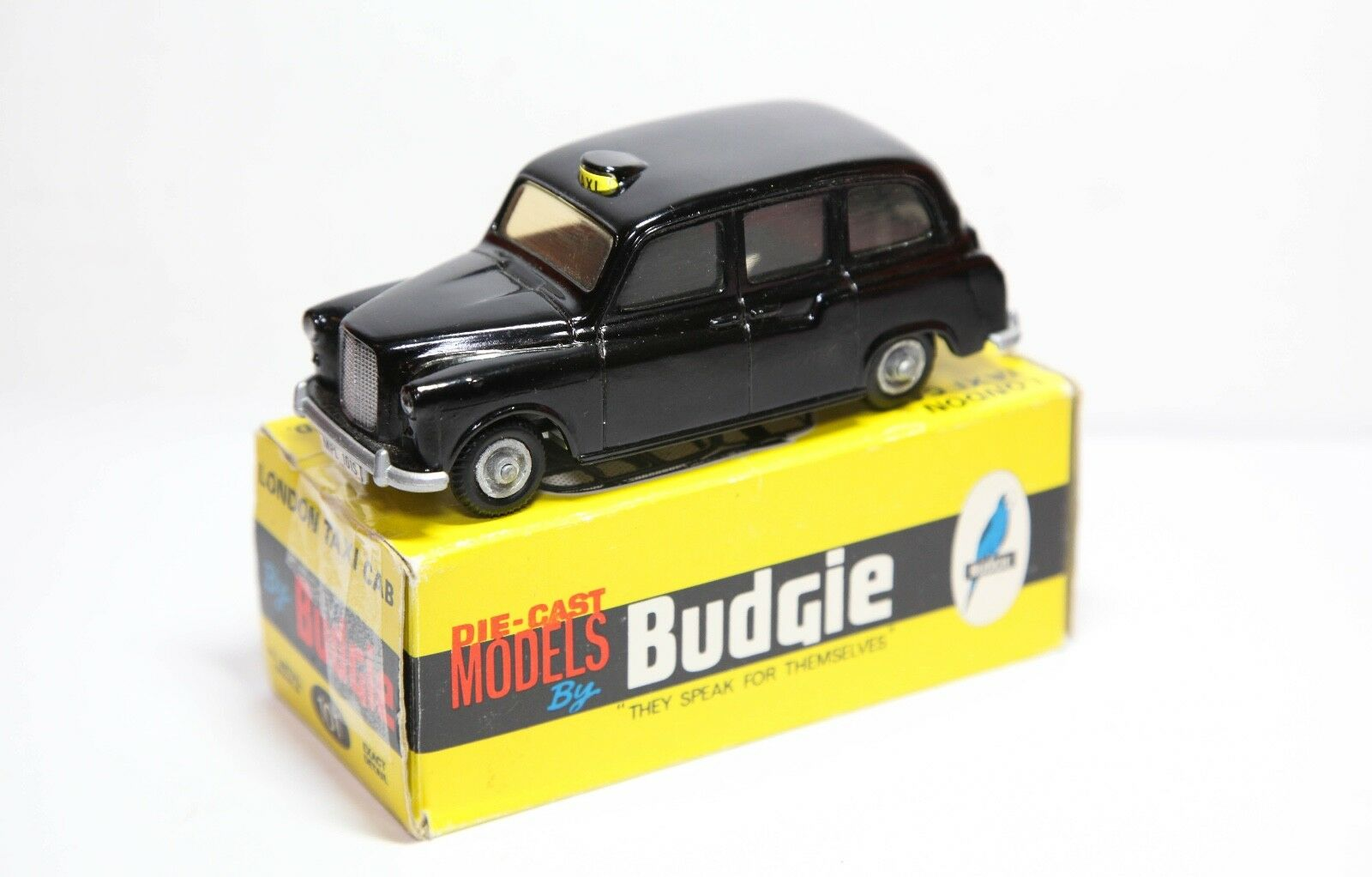 Budgie 101 Austin London Taxi Cab In Original Box - Near Mint Vintage Original