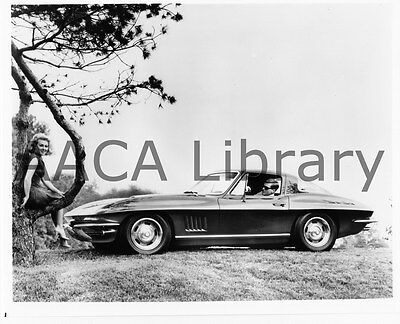 Ref. #35982 1967 Chevrolet Corvette Sport Coupe w// Couple Factory Photo