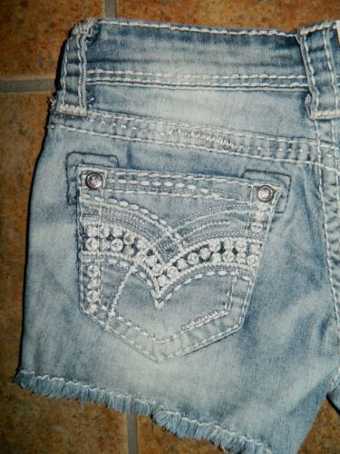 New Grace in LA Metallic Embroidered Cut-off Shorts Sizes 24,25 $59