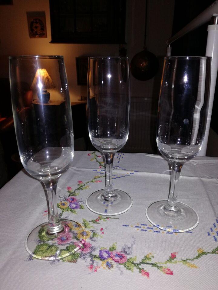 Glas, Champagne Glas - 17 stk.